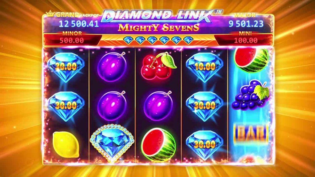 Diamond Link™: Mighty Sevens Online Slot