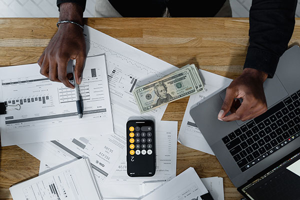 Advantages of printing business checks
