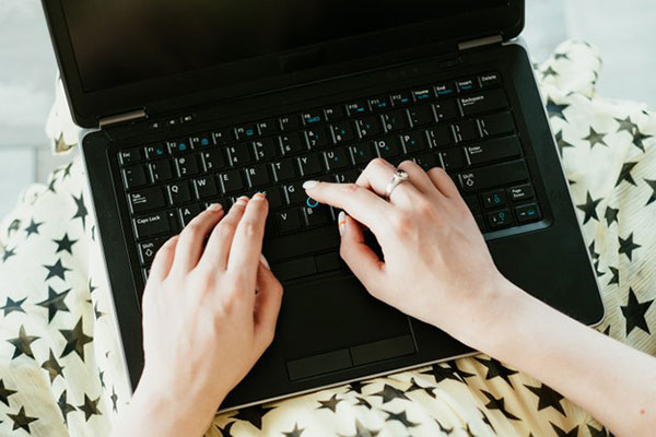 Here are a few quality benefits of online check writer.com