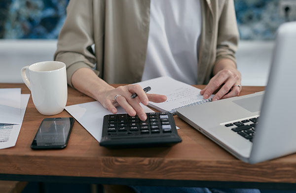 What is budgeting and how it is related to expense analysis
