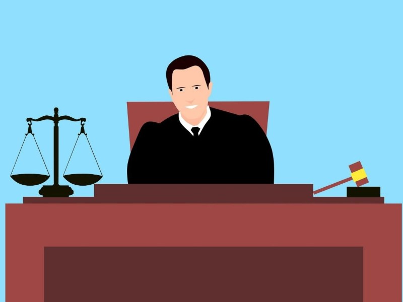 How to become a Judge – Degree, Exams and more