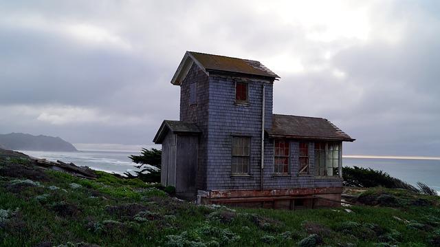 seadside ruin shack 1
