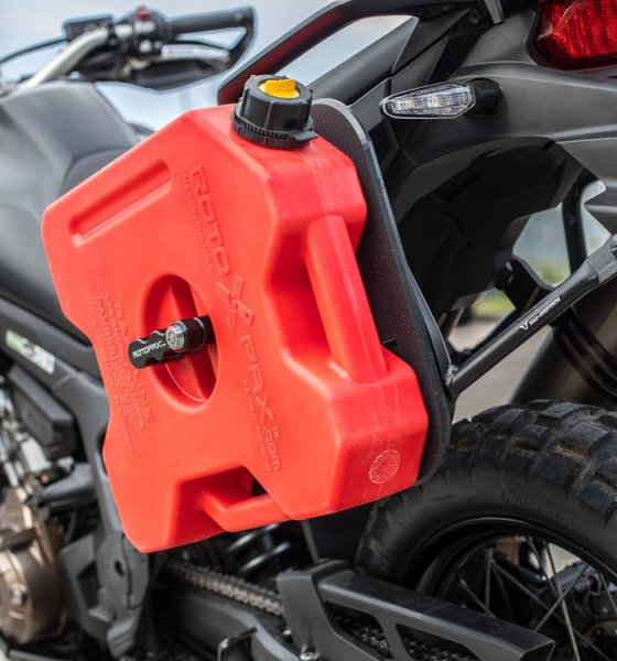 How you can carry extra fuel on a motorcycle? 1