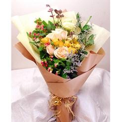 hand-bouquet-jervios-garden-e1472745026961