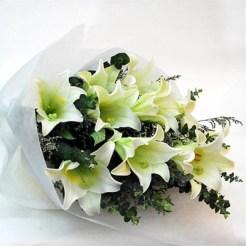 hand-bouquet-chancery-garden-e1472661245611