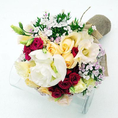 hand-bouquet-duchess-garden-e1472665004528