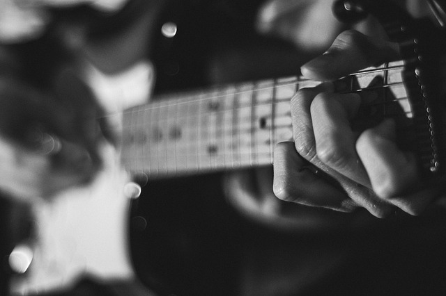 e835b20e2ff2033ed1584d05fb1d4390e277e2c818b4124394f6c37da0e4 640 - Become The Best Guitar Player Out There!
