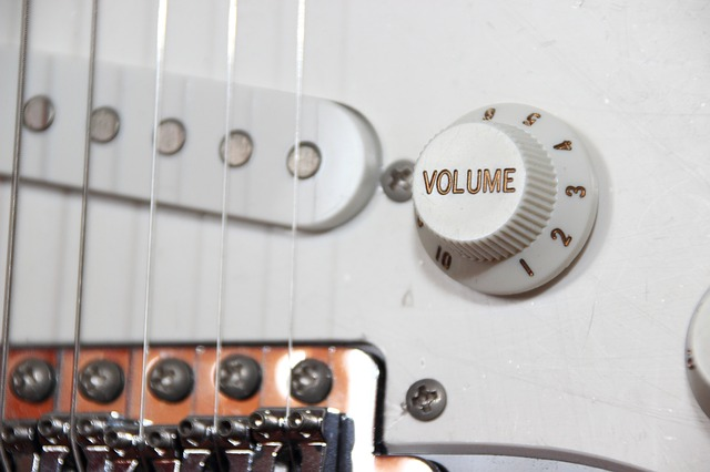 ef3cb6092af51c22d2524518b7494097e377ffd41cb2174897f2c87ca5 640 - Want A Comprehensive Article On Learning Guitar? This Is It