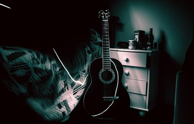 57e3dc454d5aa914f6da8c7dda793278143fdef85254774f73287ed19345 640 - Strum Away With These Simple Guitar Tips
