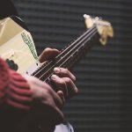 do you wanna rock try these simple guitar tips - Do You Wanna Rock? Try These Simple Guitar Tips