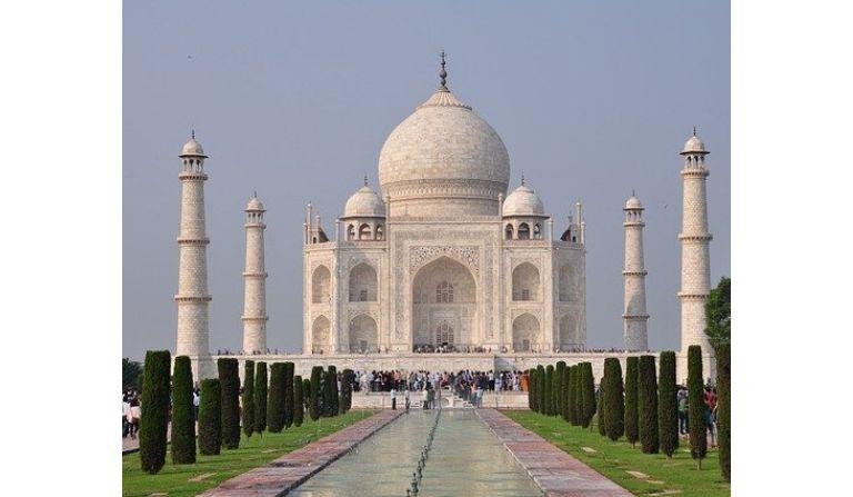 Who Created Taj Mahal in Hindi