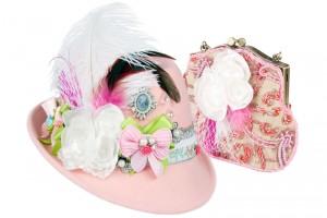 Der prunkvolle in pink und rosa gehaltene Trachtenhut Sissi macht aus jeder Dame eine Prinzessin