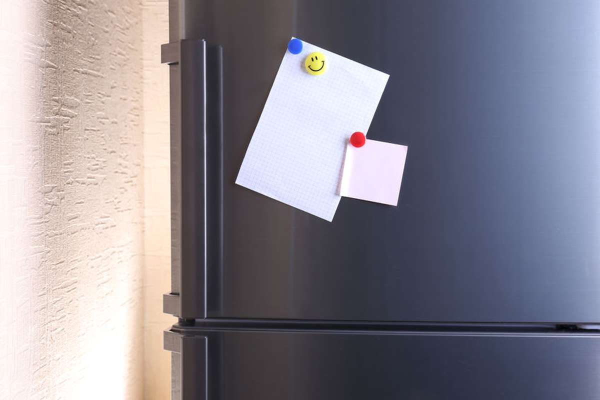 Kühlschrank Einkaufsliste Magnet : So machen sie den kühlschrank zur pinnwand