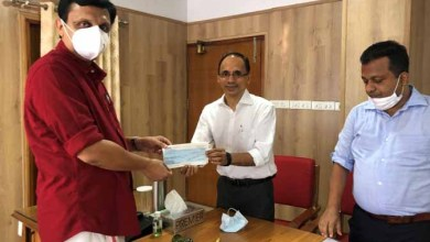 Walkaroo Group contributes to Kerala CM's Distress Relief Fund
