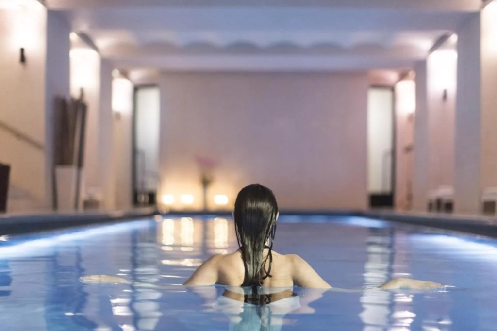 Hotel Cafe Royal - 5-star Luxury hotel near Buckingham Palace, central London with pool