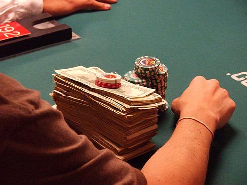 Cash Games versus Tournaments