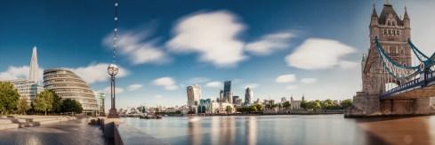 City of London mit The Shard, City Hall, The Pint (20 Fenchurch Street), The Gherkin, London Tower und Tower Bridge
