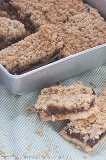 Apple Butter Crumb Bars; easier than #apple pie. Go to OnlyTasteMatters.com for the #recipe. #GlutenFreeBaking #BakeSale