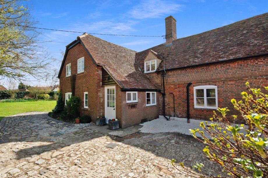Объявления 'сдам в аренду загородный дом' Борис Джонсон Boris Johnsons country house in Oxfordshire comes up for rental