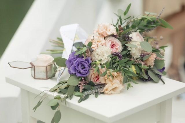 Букет невесты с эустомой