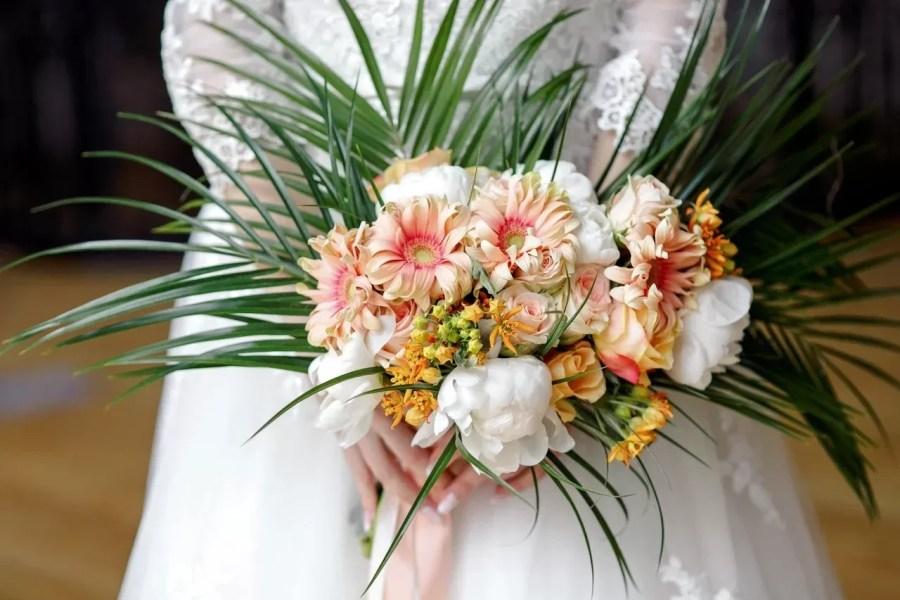 Букет невесты с герберой