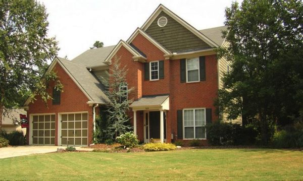 home-in-alpharetta-gatewood-neighborhood