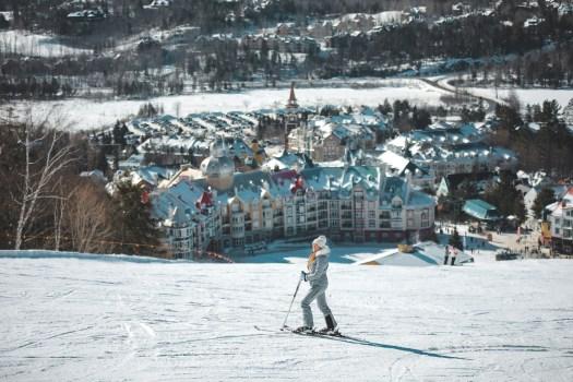 Vue sur la station du Mont Tremblant depuis les pistes de ski
