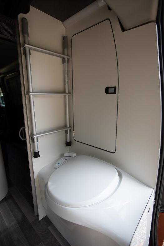 toilettes douche ford nugget