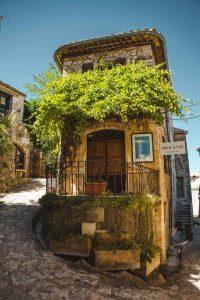 Simiane-la-Rotonde Alpes de Haute Provence village blog