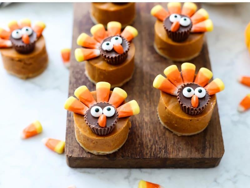 Pumpkin cheeecakes that look like turkeys.