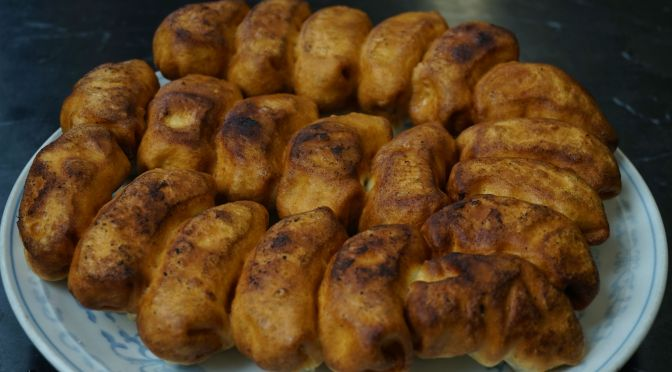 高島平「ホワイト餃子」独特な形状のおいしい餃子