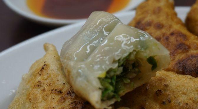 町屋「中華料理 百番」世界一美味しいもやしそば&餃子