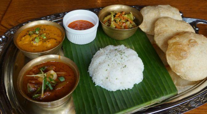 池袋「トムボーイ池袋2号店」南北インド、ネパールカレーが楽しめる。