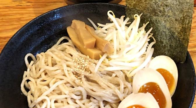 落合「究極のにぼし味噌らーめん 人間ばんざい」独特な美味しさの味噌つけ麺を食す。