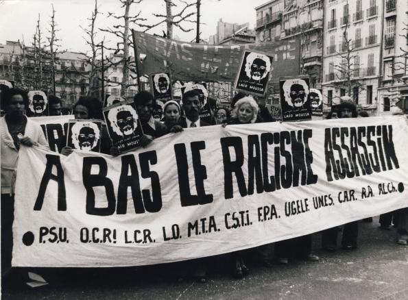 Manifestation après le meurtre de Laïd Moussa, photographie, 1975. © Coll. Génériques/DR