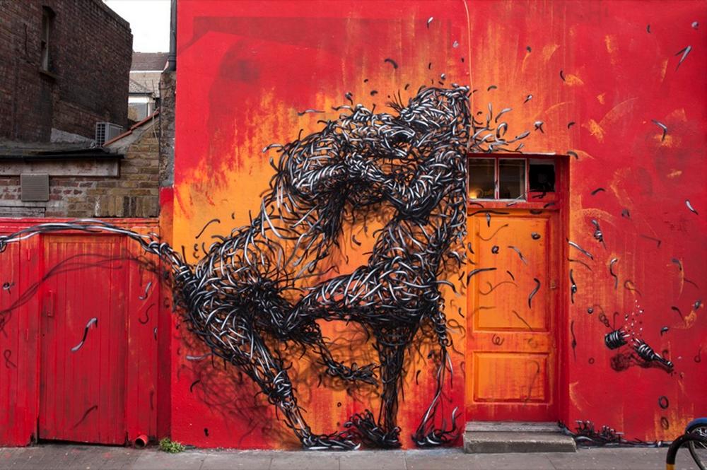 DALest, certainement le street artist chinois le plus connu de son pays participe aussi à l'événement. Crédit : The Independant