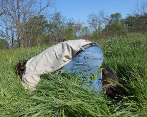 Burying my head in the sand?  Not at all!  I'm looking for signs of earthworms, tunnels, castings and loose moist topsoil.  It's a fascinating world down here, check it out for yourself!  If you find me in the field like this, don't worry…I'll be on my feet again in a half hour or so.