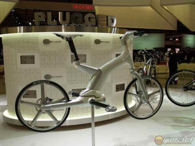 Ilyen (is lehet) a PAS kerékpár - ez éppen a Yamaha 2011-es koncepciója