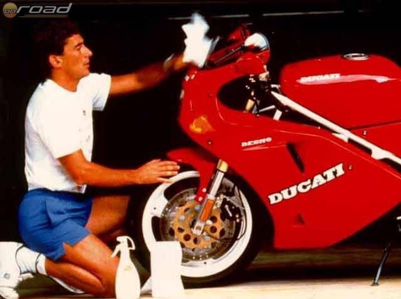 Ayrton imádta a vörös motorokat