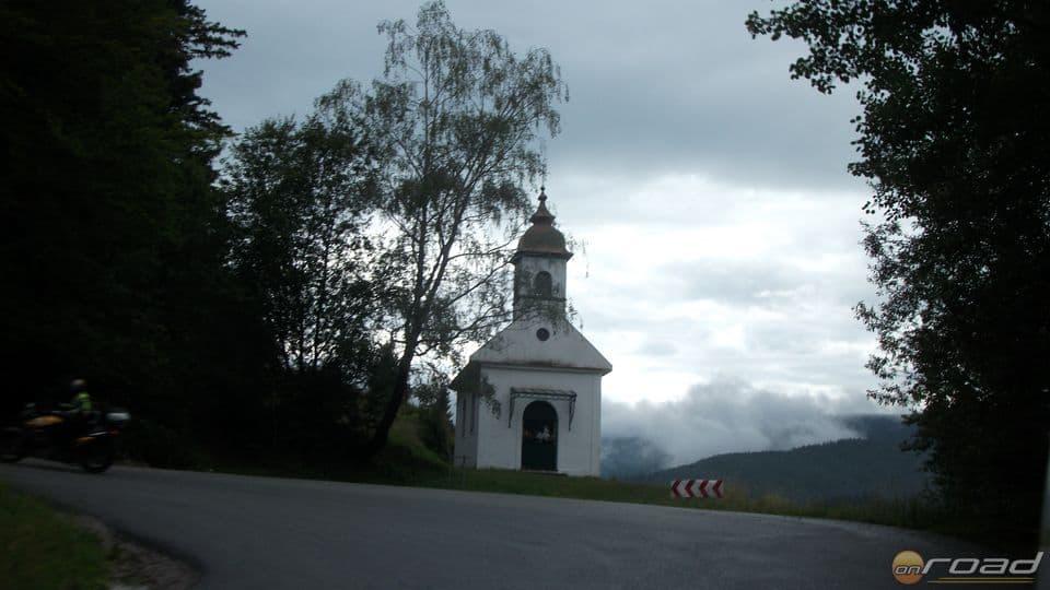 Rengeteg kápolnát láttunk a hegyi utak mentén a Felvidéken