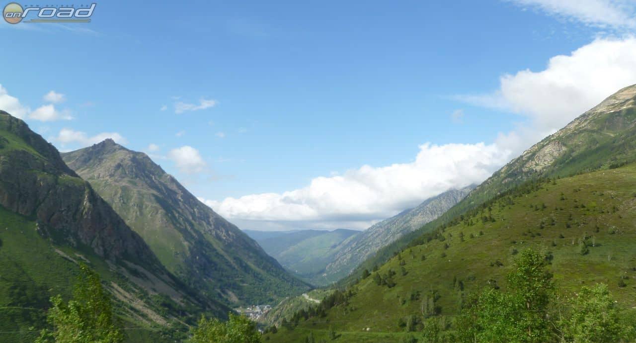 Csodaszép tájak mellett vezet az út Andorrába