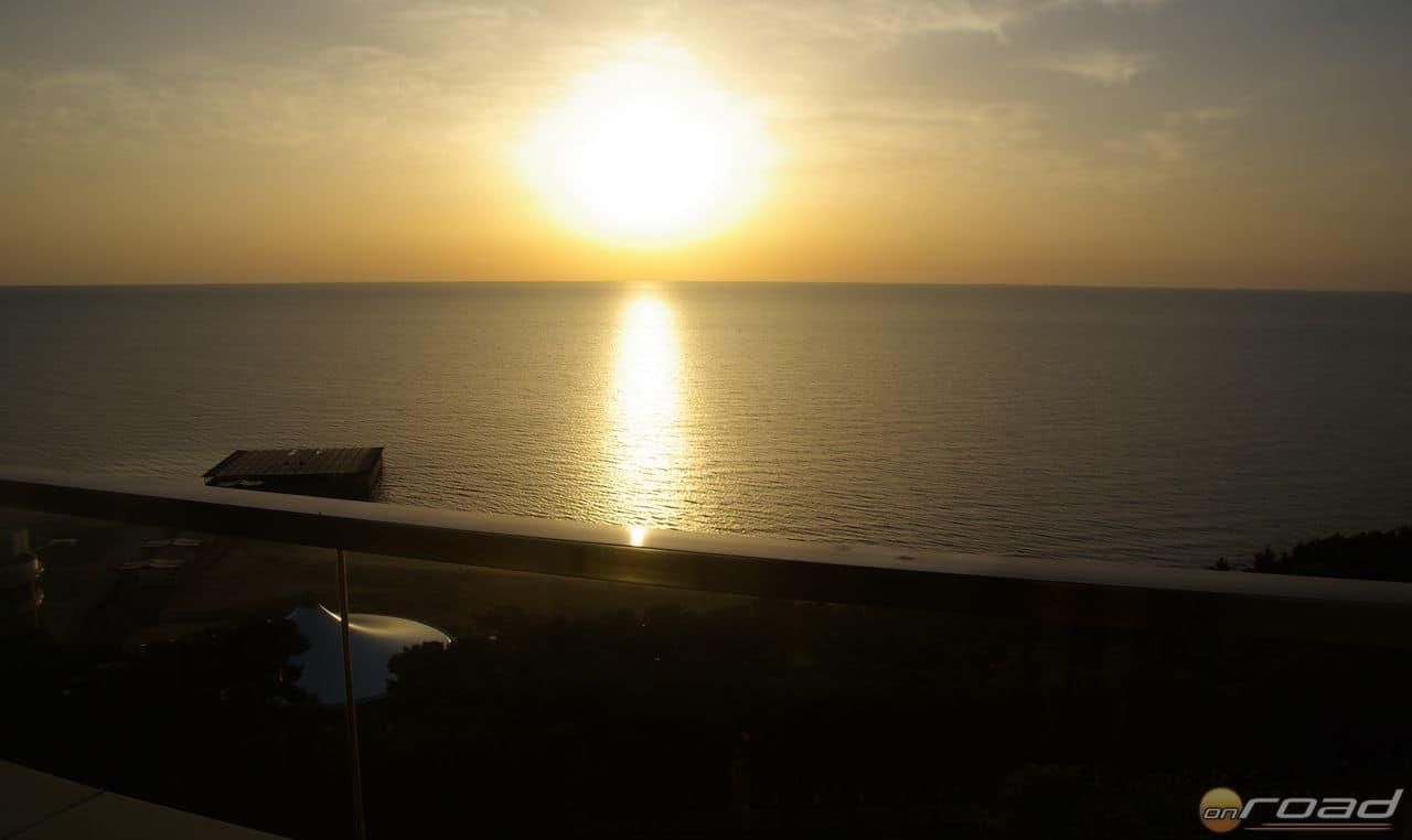 Napfelkelte a Kaszpi-tenger felett