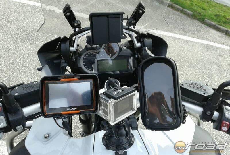 Teljes felszerelés: WayteQ xRIDER, SJ4000Wifi és egy telefontok (abban futott az RBiker)