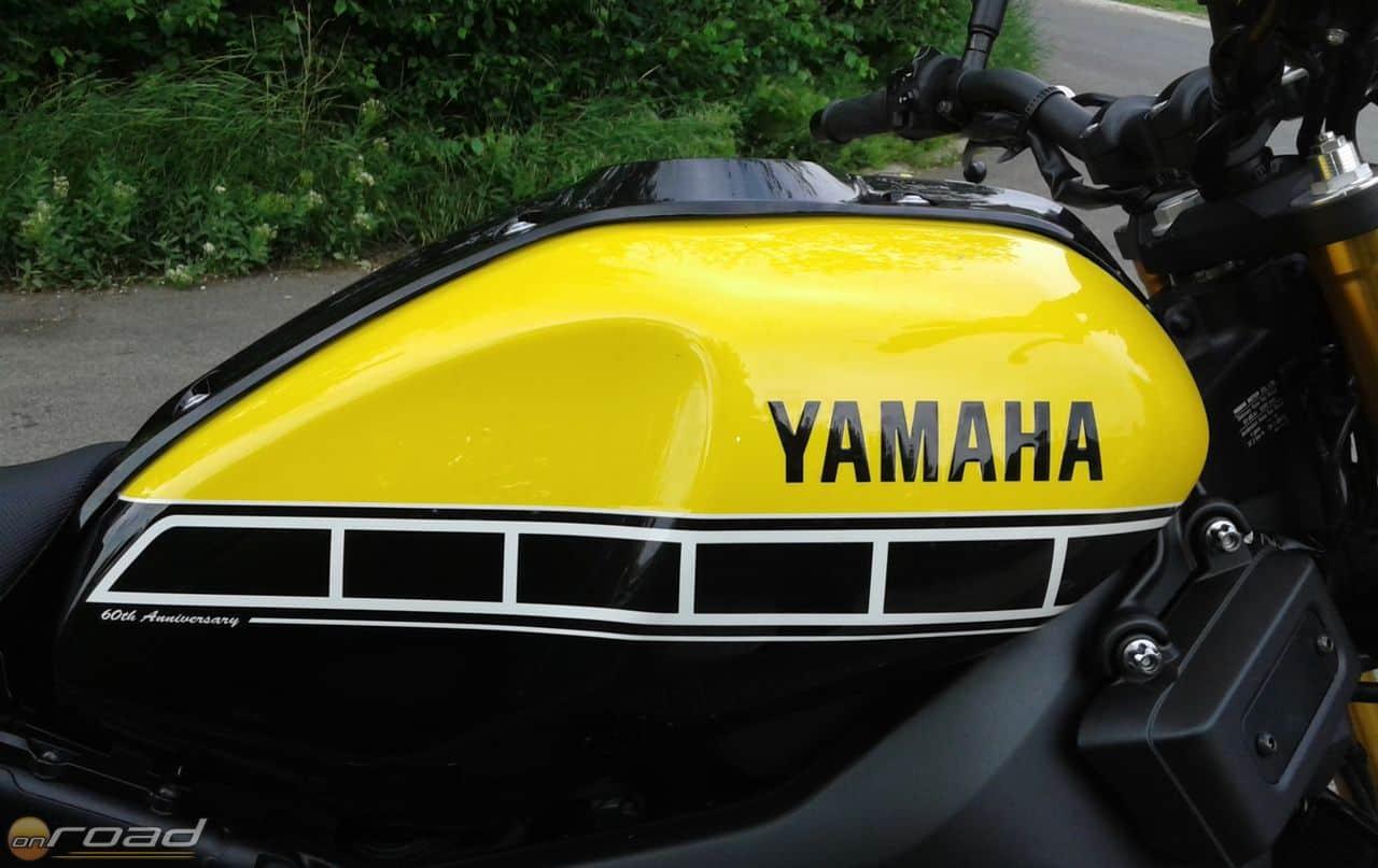 A klasszikus Yamaha-színvilág - GYÖNYÖRŰ!
