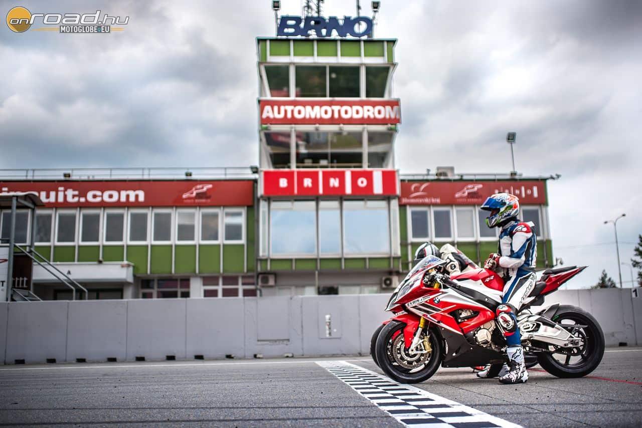 A MotoGP és a Superbike VB mezőnye is kedveli a remek cseh pályát