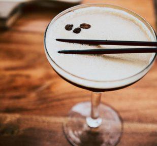 onslow-beach-club-oceanfront-bar-cocktailssmall