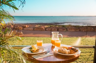 onslow-beach-club-breakfast-1