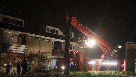 Schoorsteenbrand aan de Van Galenstraat trekt veel bekijks