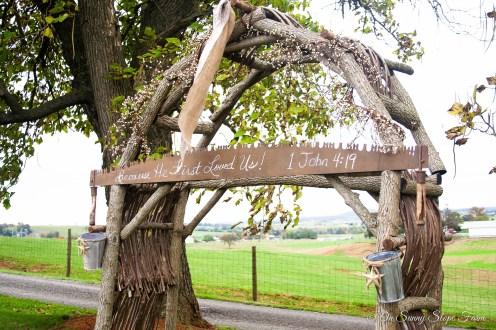 Fall_Wedding_On_Sunny_Slope_Farm-7