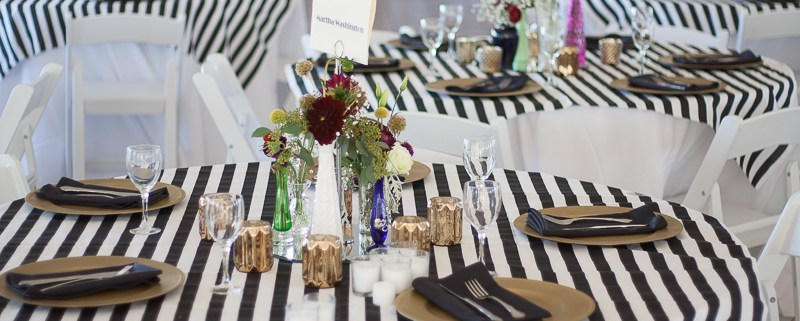 Black White And Gold Make This Rustic Chic Wedding Theme Classic